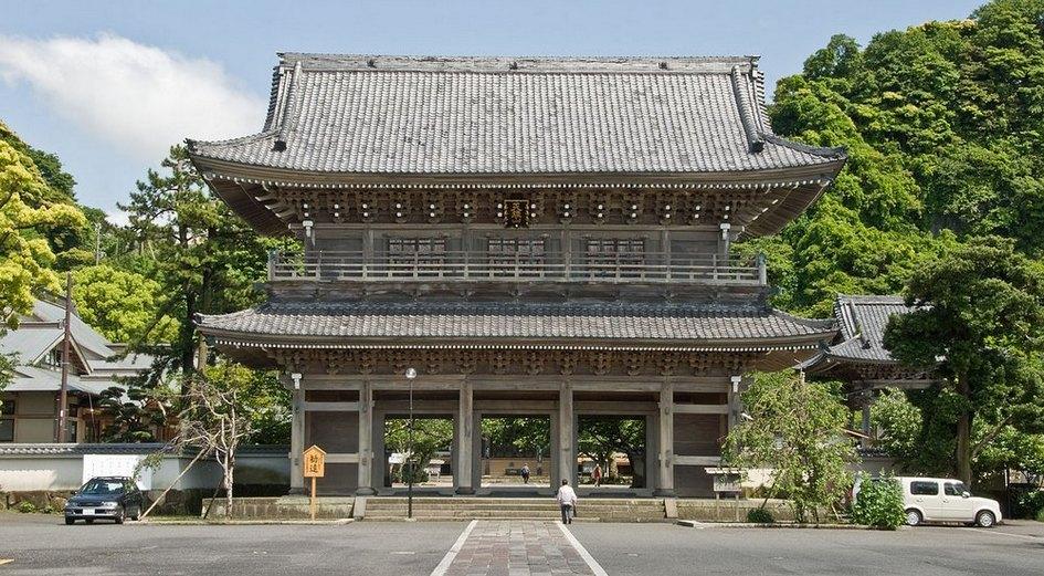 10月から11月にかけて全国の浄土宗寺院でひろく行われる 念仏会 (ねんぶつえ) です。「お十夜」「十夜法要」「十夜講」「十夜念仏」などともいい、正しくは、「十日 十夜 (じゅうや) 法要」といいます。もともとは陰暦の1 […]